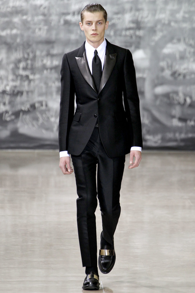 FW12 Paris Yves Saint Laurent001_Janis Ancens(VOGUE)
