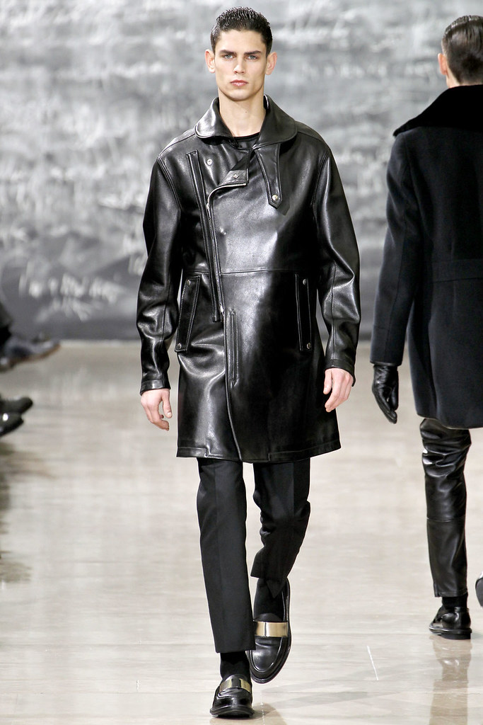 FW12 Paris Yves Saint Laurent025_Arthur Gosse(VOGUE)