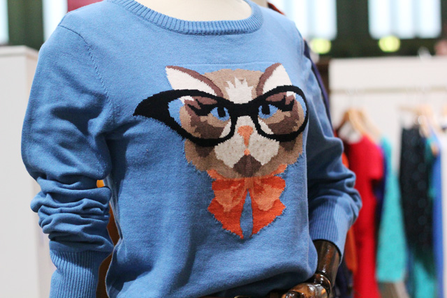 louche cat jumper with glasses