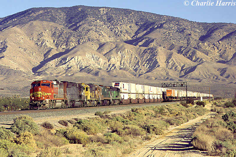 SF 126 SP 7546 SF 3847 LRC 8119 BN 5084 West of Mojave on Friday 03-10-1997 by Charlie Harris