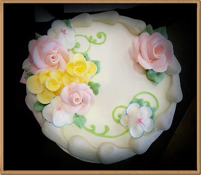 Simple Round Cake Images : 6791684105_209e48bca3_z.jpg