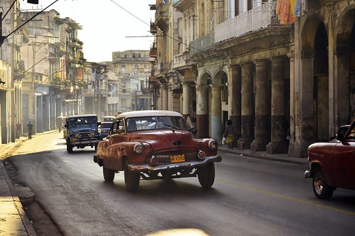 Havana street scene by The Globetrotting photographer