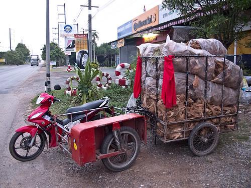 Nic's motorcycle + trailer
