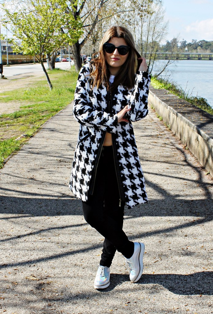 http://www.choies.com/product/oversized-coat-in-houndstooth?cid=2318