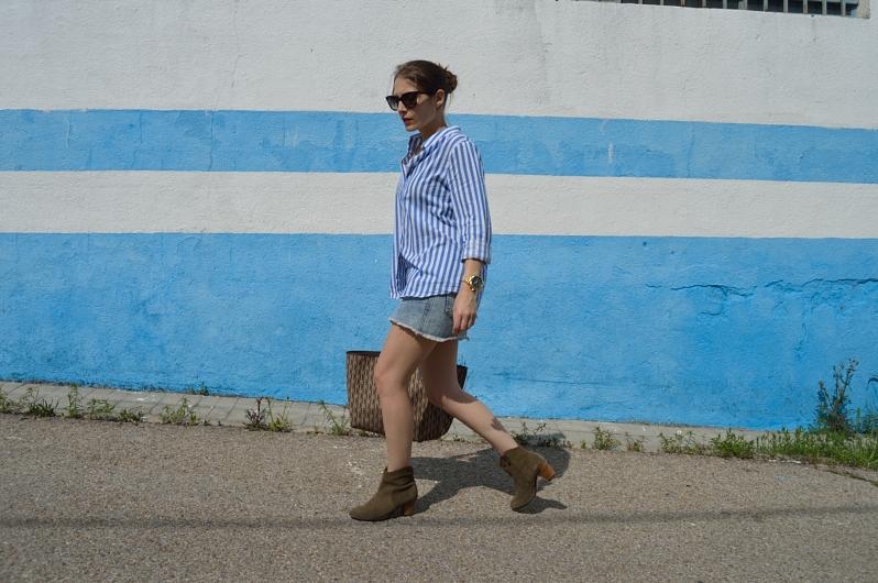 lara-vazquez-madlulablog-blue-nautic-striped