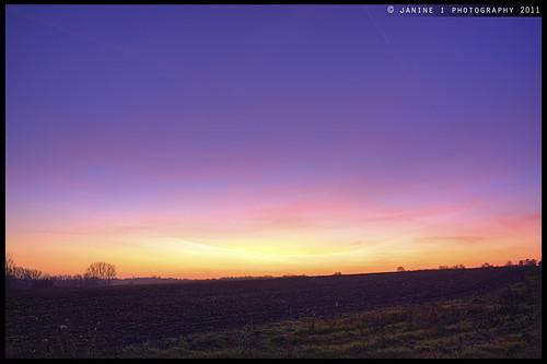 canon germany deutschland twilight europa europe tripod magdeburg bluehour hdr stadtrand abenddämmerung blauestunde saxonyanhalt sachsenanhalt photomatix tonemapping tonemap eos450d fotogruppemagdeburg