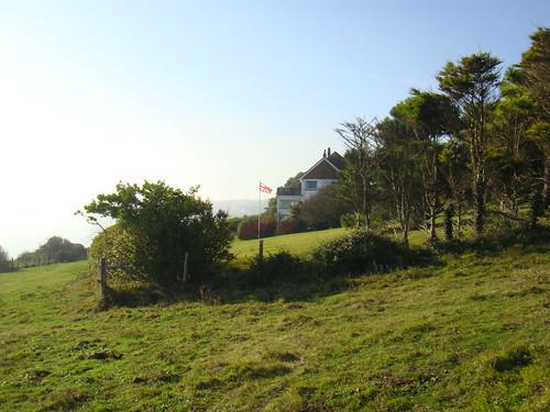 Recorrido por los Cliffs con una casa cercana