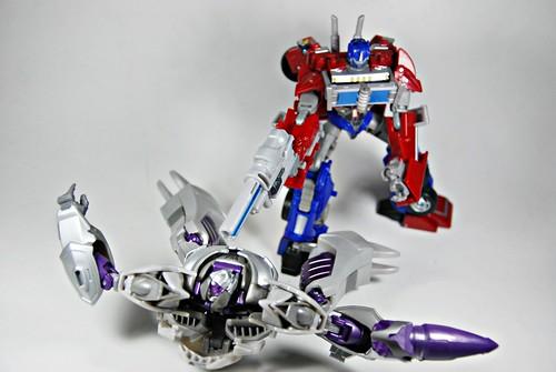 Transformers Prime: Optimus vs Megatron