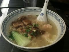牛ばらワンタン麺