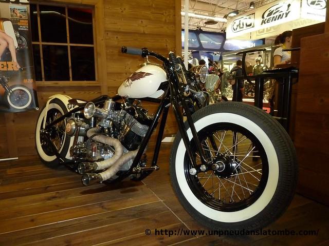 Un bobber Harley-Davidson sorti de chez Kris Kustom Cycles.