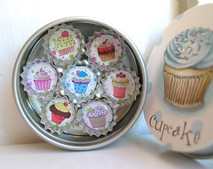 Mini Bottlecap CUPCAKE Magnets in a Decorated Gift Tin- Set of 7