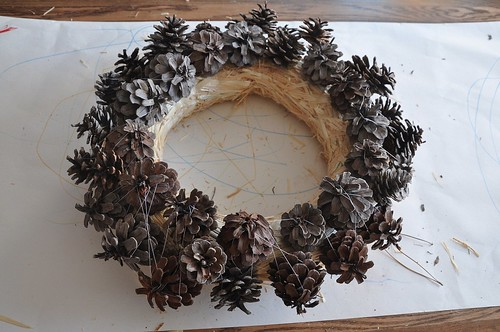 making pine cone wreath