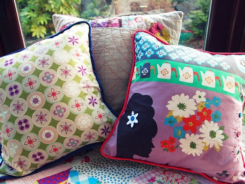 piped pillows!