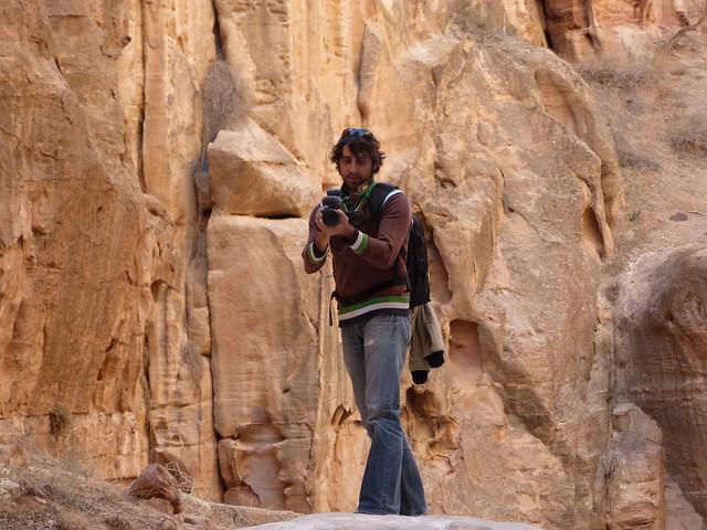 Albert Merino grabando en Petra