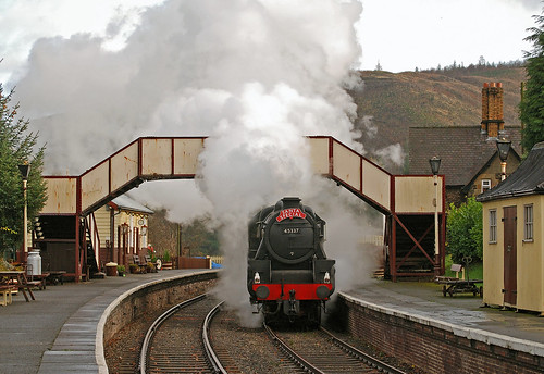 Steaming under the bridge by midcheshireman, on Flickr
