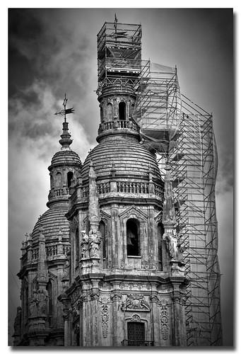 Paseando la ciudad by Andrés Ñíguez