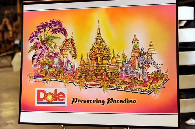 "Dole 2012 Rose Parade Float ""Preserving Paradise"""