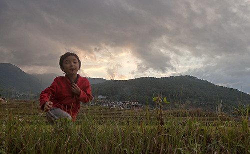 sunset bhutan dancingboy