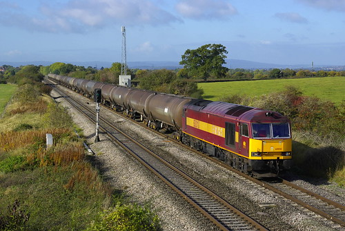 2137 60010 with the 6E41 Westerleigh to Lindsey passing Badgeworth 10th Oct 2009 time 1058