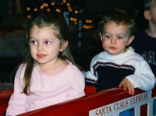 veda and deacon in train at xmas 2004 no 2