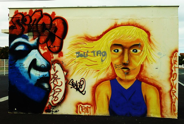 Graffiti rochefort sur mer piscine flickr photo sharing - Piscine desjoyaux rochefort ...