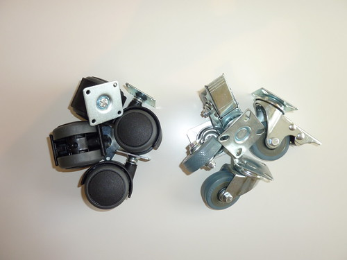 Castors - Plastic vs. Rubber with brakes