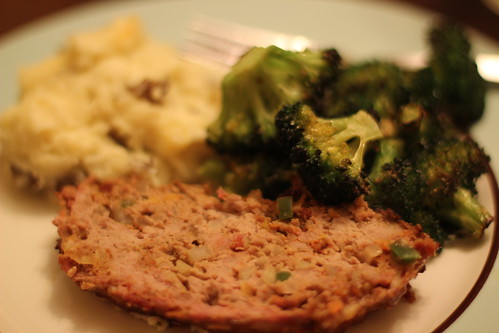 Meatloaf, broccoli and potatoes