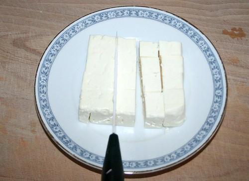 28 - Schafskäse würfeln / Dice feta