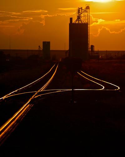 railroad sunset train colorado canond60 unionpacific byers grainelevator canonef70200mmf4l limonsub