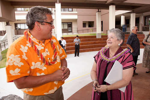 <p>Hawaii County Mayor Billy Kenoi and UH President M.R.C. Greenwood mark a major milestone (photo By Michael Darden)</p>