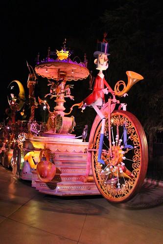Mary Poppins float - Mickey's Soundsational Parade