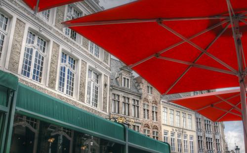 Green & red. Brugges. Verde y rojo. Brujas