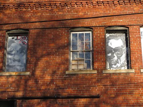 Iggy and Ray Windows