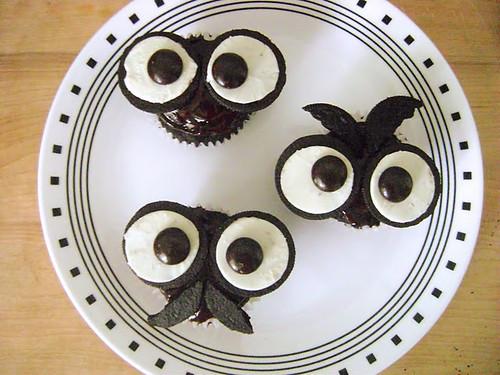 10.2 Thefullwoman-Oreo Owl Cupcakes