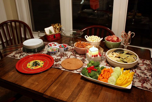 Holiday housewarming party life at cloverhill for Finger food ideas for housewarming party