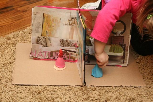 Magazine Upcycle Houses