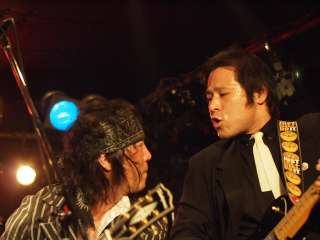 The StarrBootleggerz live at ShowBoat, Tokyo, 03 Dec 2011. 353