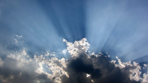 ☼ Sunrays tearing through the clouds ☼