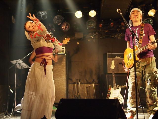 AKINOGI & Kasuga live session with Miro at Outbreak, Tokyo, 11 Dec 2011. 2-014