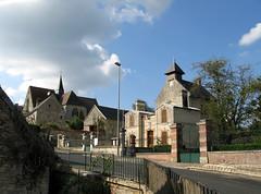 Dampleux (église et mairie) 1