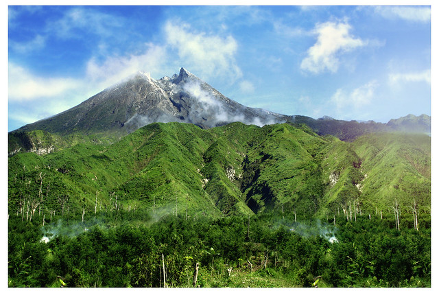 Dikala cerah sang Merapi | Flickr - Photo Sharing!