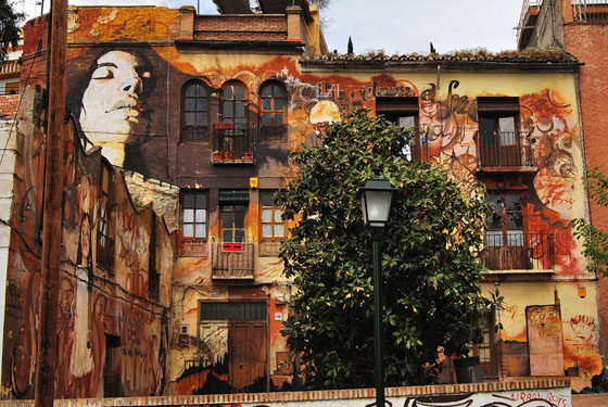 Street art by El niño de las pinturas, Granada, Spain. photo via Street Art Utopia