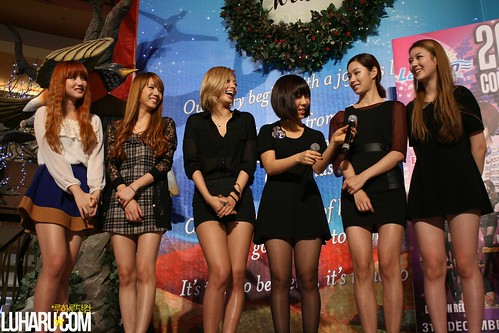 Rania Fansign 017