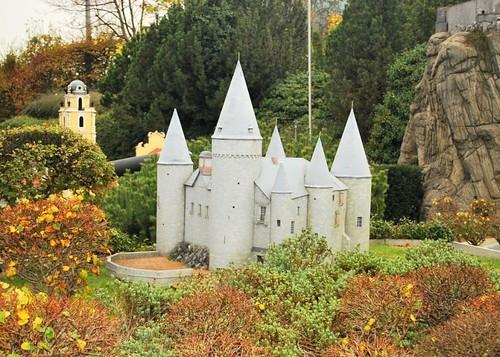 Veves Castle, Belgium