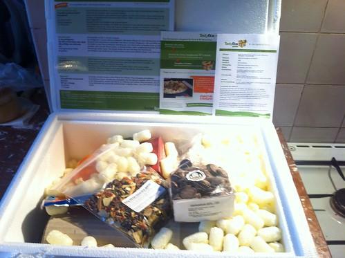Foodiesquare Tastybox Dez2011_02