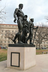Monument to Boy Scouts