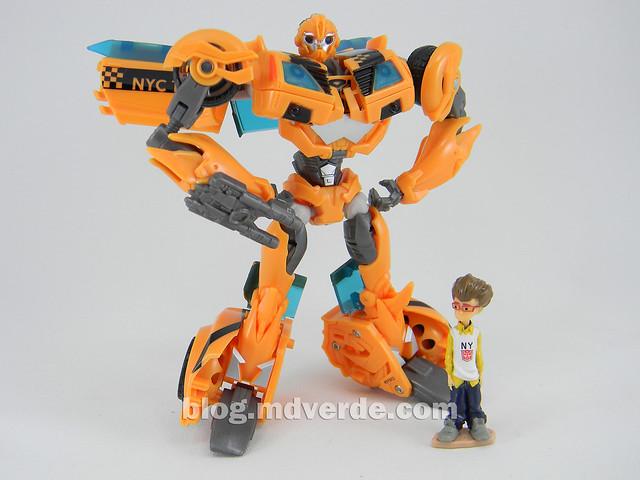 Transformers Bumblebee Deluxe - Transformers Prime - modo robot