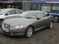automobile(1.0), executive car(1.0), wheel(1.0), vehicle(1.0), performance car(1.0), automotive design(1.0), full-size car(1.0), jaguar xf(1.0), sedan(1.0), personal luxury car(1.0), land vehicle(1.0), luxury vehicle(1.0),