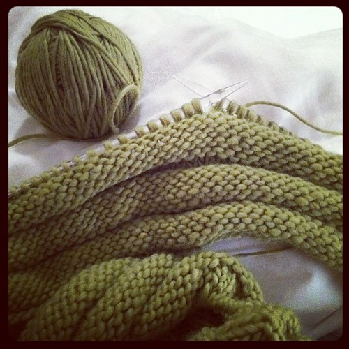 Knitting... I'm back!!