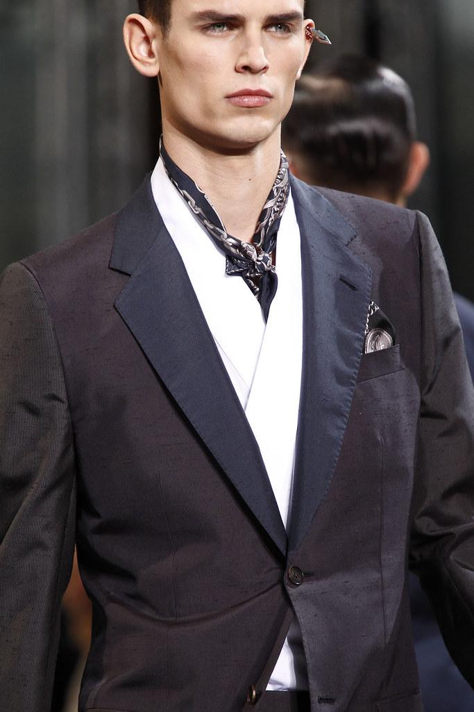 FW12 Paris Louis Vuitton087_Arthur Gosse(VOGUE)